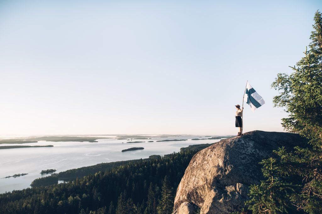 Suomenlippu, Koli (Kuva: Eeva Mäkinen) ©Suomen luonnon päivä
